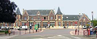 Street view of Gare de Beauvais.